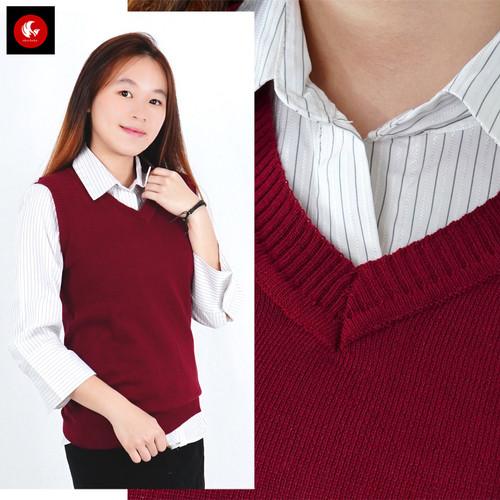 Foto Produk Rompi rajut wanita model polos V Neck Knit Vest Rompi Seragam Sekolah - merah maroon, L dari Okechuku