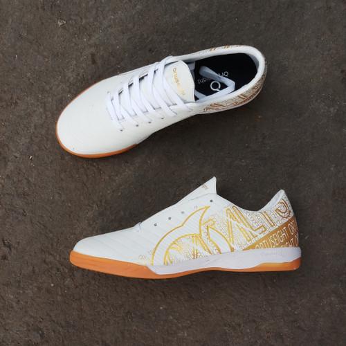 Foto Produk Sepatu Futsal Ortuseight Catalyst Chypher White Gold - White Gold, 39 dari istana_sneakers