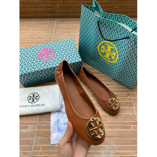 Foto Produk Flat shoes Tory burch classic leather minnie travel - Coklat, 35 dari topbrandedbags