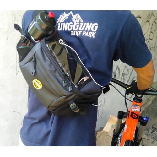 Foto Produk Tas Selempang Waistbag Pria Waterproof Multifungsi Adventure Slingbag dari PITUDUS
