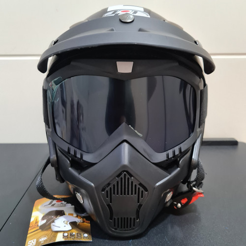Foto Produk Helm JPN kawai momo hitam dop pet dan google masker dari Ideal Flora