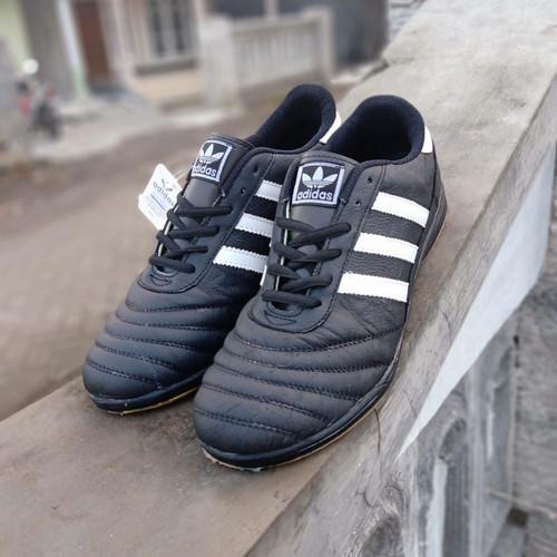 Foto Produk Sepatu Futsal Adidas hitam big size pria 44-47 - Hitam, 44 dari kevin-khanza