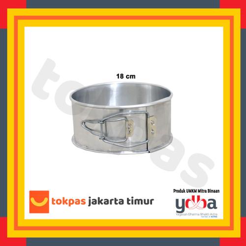 Foto Produk Loyang Bongkar Pasang Bulat Diameter 16 18 20 22 24 26 cm Bolu Kue - 18 cm dari Tokpas Jakarta Timur