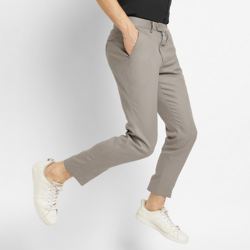 Foto Produk AKIRA Active trouser Light Khaki - 36 dari crowstudios