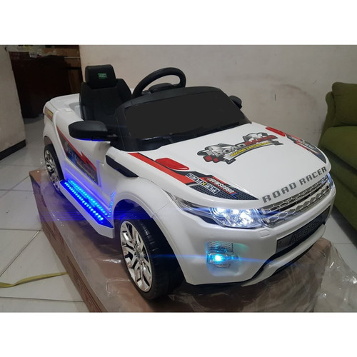Foto Produk Mainan Anak Mobilan Aki tipe PMB 8188 Model Range Rover - Abu-abu dari EAZYTOYS
