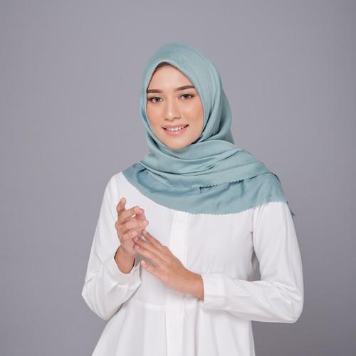 Foto Produk Hijab Wanita Monza Plain Scarf Voal Laser Cut Diario - Silver Blue dari diario