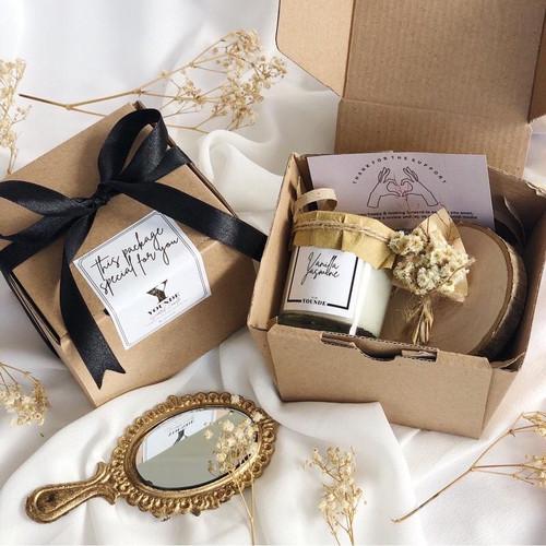 Foto Produk Gift Box Scented Candle | Hampers | Kado Wisuda | Kado Ulang Tahun dari YOUNDE