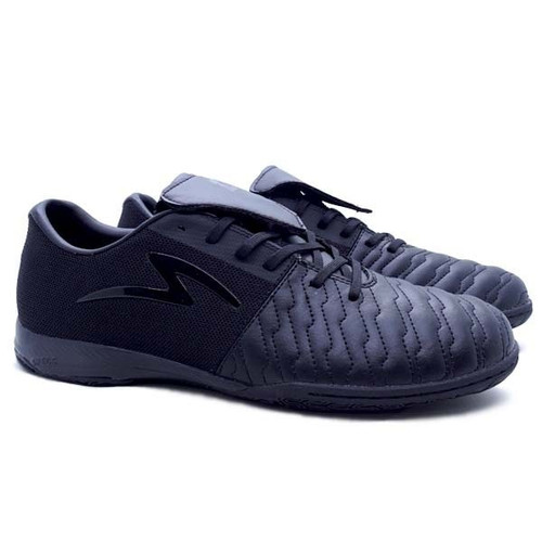 Foto Produk Sepatu Futsal Specs Barricada Maestro XT Pro IN - All Black - 37 dari SPORTAWAYS