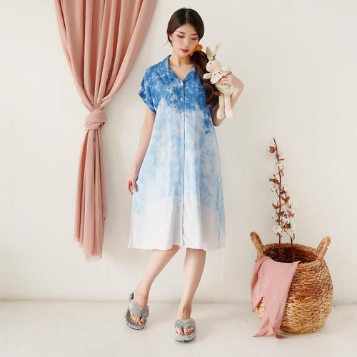 Foto Produk Daster Tie Dye Baju Tidur Wanita Dress Midi Santai Adem Rayon Piyama - Blue Gradation dari Polkadots Babies & Kids