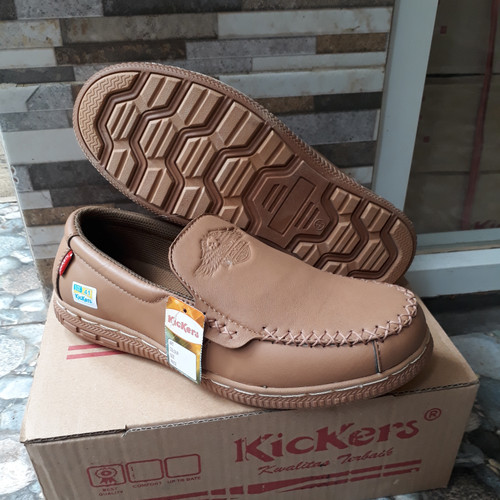 Foto Produk sepatu casual slip on kulit asli kickers kr02 cklt - Beige, 39 dari lalashoes