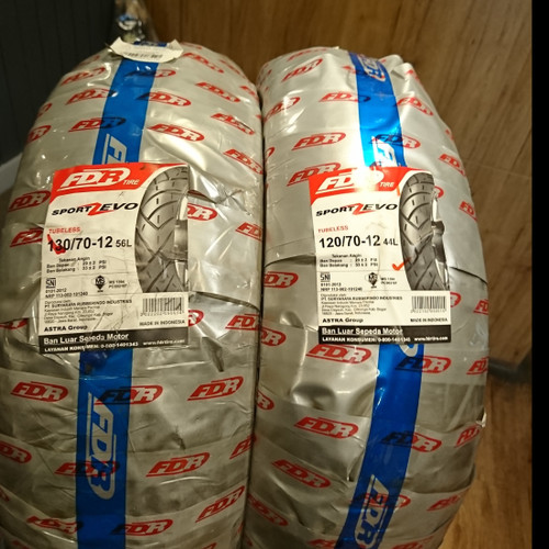 Foto Produk Paket ban motor Vespa Scoopy FDR Sport Zevo 120 70 & 130 70 ring 12 dari Battery Accu Aki Bandung