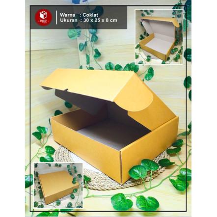 Foto Produk Kardus Box Cloth / Gift Box - uk. 30 x 25 x 8 cm - Cokelat dari Royal Packindo