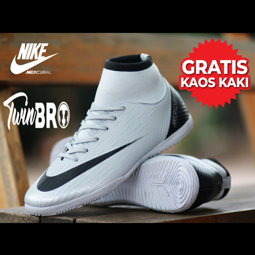 Foto Produk Sepatu futsal nike mercurial terlaris - Putih, 39 dari xoxobandung