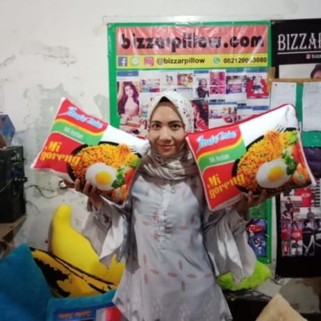 Foto Produk Bantal snack lucu dan Unik dari Bizzarpillow