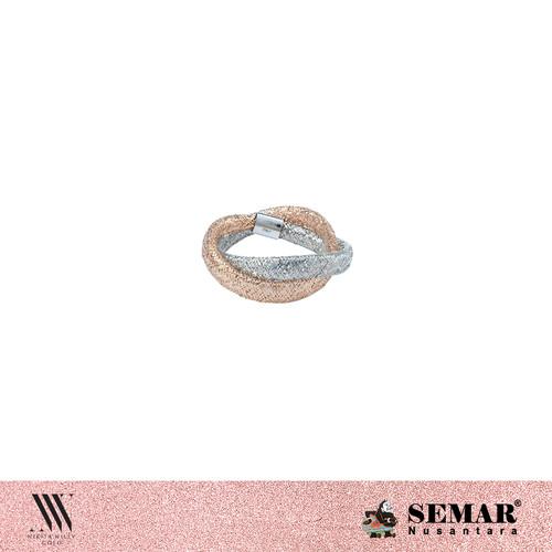 Foto Produk Nikita Willy Gold Featherlite Ring dari Semar Nusantara