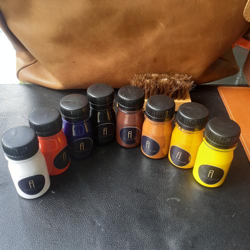 Foto Produk Cat Kulit /Kanvas/Sintetis Water Base Jaket Tas Sepatu 45gr - Hitam dari Fruna Phonsel