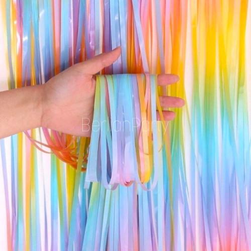 Foto Produk Tirai Foil Rainbow Pastel / Backdrop Foil Curtain / Tirai Rumbai Foil dari Berlianparty