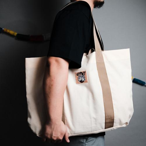 """Foto Produk Oversize Tote bag """"Raw Feels"""" dari THERDPNT"""