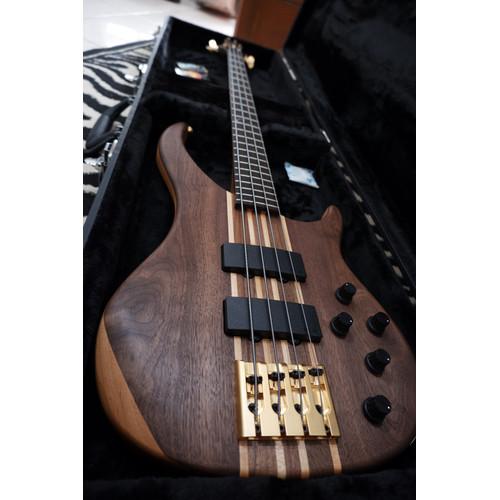 Foto Produk Gitar Bass Peavey Cirrus 4 Wal, Not Cirrus 5, Fender,Warwick,Ibanez dari Music_SMC