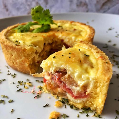 Foto Produk Quiche Smokedbeef & Cheese / Creamy Chicken / Vegetarian / Cheesy - Creamy Chicken dari Emily's Bake House