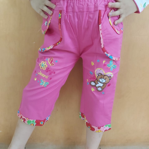 Foto Produk Celana katun pendek anak perempuan motif bordir bear teddy jeans style - Size M, Fanta dari SanSanID