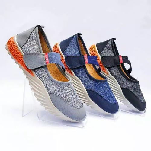Foto Produk Sepatu Wanita Slip-on Sol Karet Murah Casual Nyaman SGP-011 dari DETECTOR