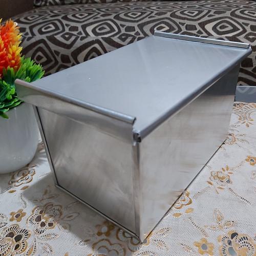 Foto Produk loyang roti tawar pake tutup 20×10×10 dari Loyang Rizqi Jaya