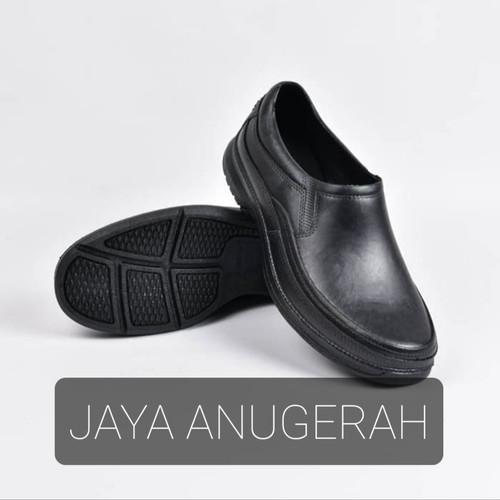 Foto Produk SALE ! SEPATU PANTOFEL ATT AB 520 BAHAN KARET ANTI AIR dari Jaya Anugerah sandal