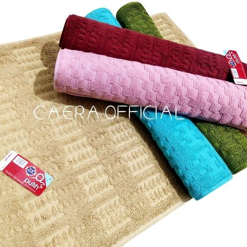 Foto Produk Keset MERAH PUTIH Bathmat Keset Handuk Kamar Mandi 45x65cm dari CaeraOfficial