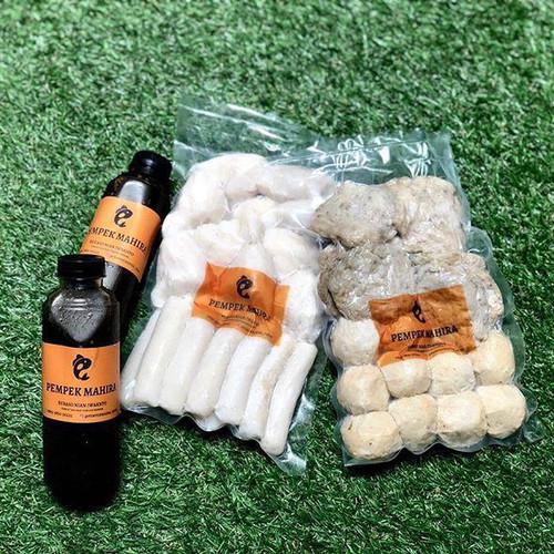 Foto Produk Best Deal - Pempek Ikan Tenggiri Isi 40pcs + 2 botol cuko dari Pempek Mahira