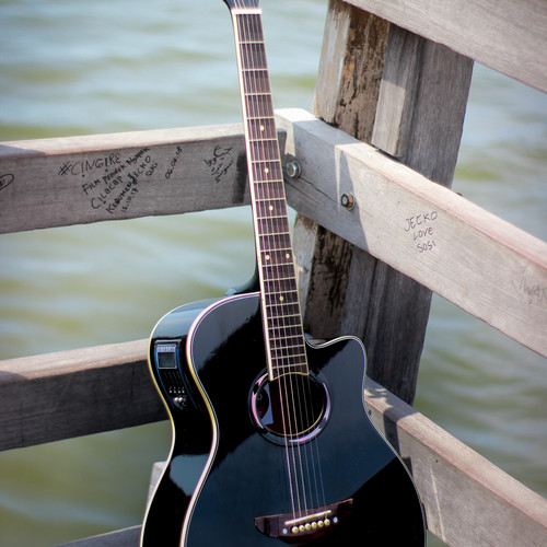 Foto Produk Gitar akustik elektrik apx500 hitam gloss EQ LC Tuner on dari JakartaUndercover.id