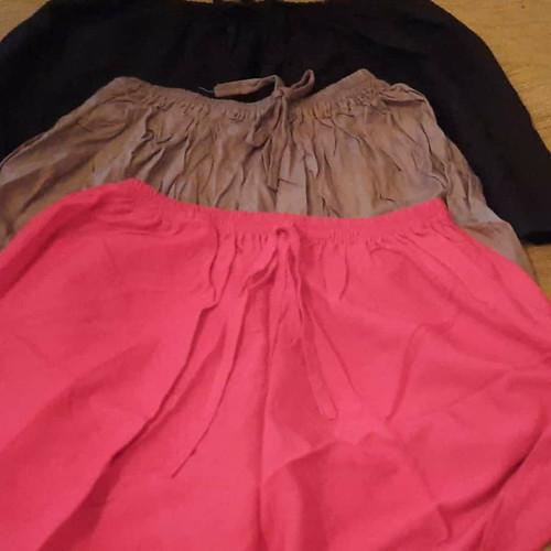 Foto Produk Celana pendek cewek - Merah, 34 dari Verou Store