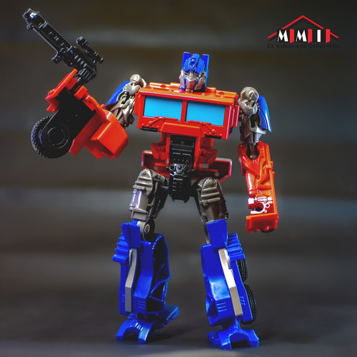 Foto Produk Mainan robot action figures metal tranformers commander- optimus prime dari toysmaniac