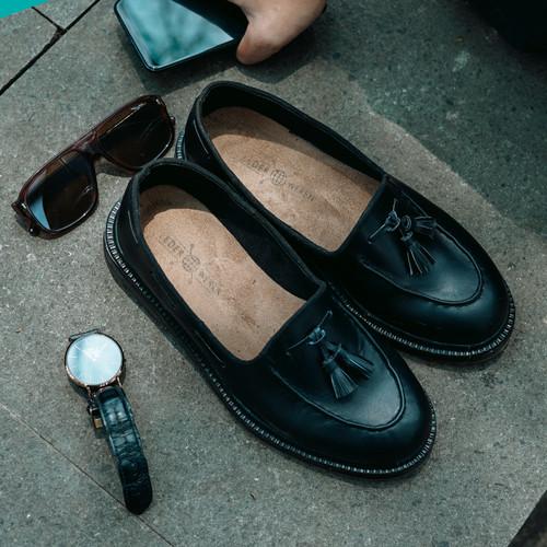 Foto Produk Sepatu Kulit Pria Asli - Leder Loafer Black - 40 dari Lederweren Footwear