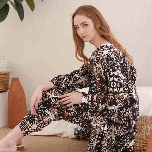 Foto Produk Nada Set + Outer in Black - Sleepwear / Piyama Baju Tidur by RAHA dari Raha Sleepwear