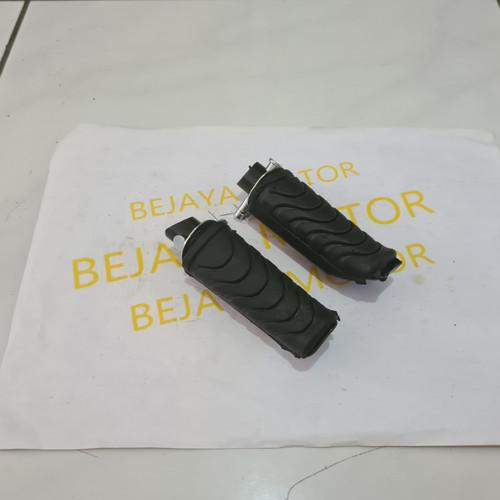 Foto Produk Karet Foot Step Belakang Absolute Revo Blade Beat Vario dari BEJAYA MOTOR