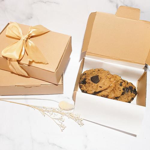 Foto Produk Soft Cookies - Hampers box Chocochunk dari bycelcile
