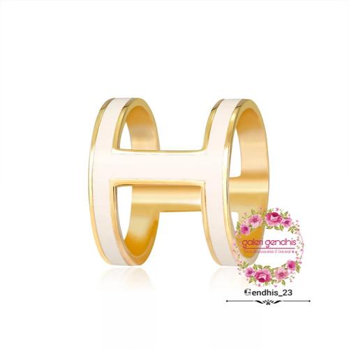 Foto Produk Bros Ring Hijab Trendy - Bros Cincin Kerudung - Ring Syal Scarf Import - Putih dari Gendhis_23