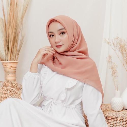 Foto Produk Yeppo Square Hijab Part 3 - Peachy dari sheenofficial