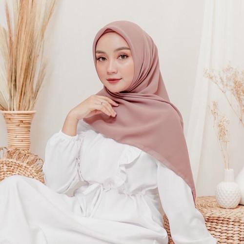 Foto Produk Yeppo Square Hijab Part 2 - Dusty Milo dari sheenofficial
