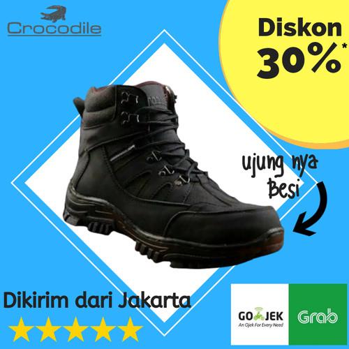 Foto Produk Sepatu Boots Pria Safety Crocodile Armour Kerja Proyek Hiking Outdoor - Hitam, 39 dari AkaMe775