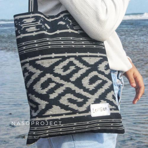 Foto Produk Tote Bag Tas Jinjing Bahan Kain Tenun Etnik Lombok dari nasoproject