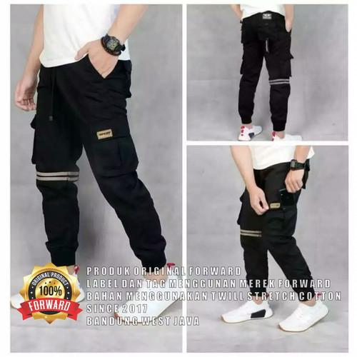 Foto Produk Celana joger cargo strip pria original Forward - Hitam, S dari Halo Coffe Bandung