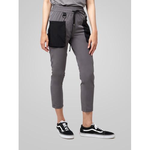 Foto Produk Celana Panjang Wanita resilen Utilitarian Cargo Pants Grey Black - S dari resilen