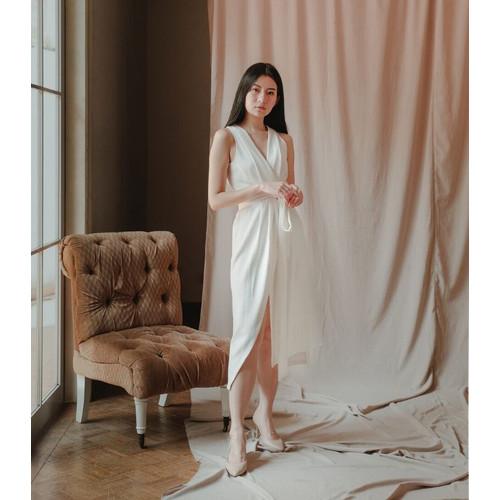 Foto Produk Cora Midi Sleeveless - White - S dari At Vezzo