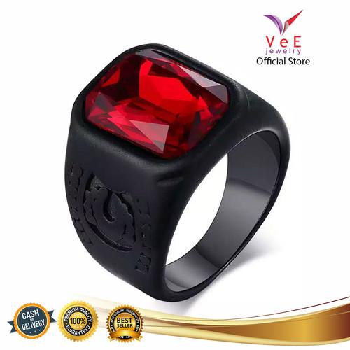Foto Produk Cincin Titanium Hitam Ruby Merah Delima - VeE Cincin Pria Retro Gothic - 8 dari Vee Jewelry