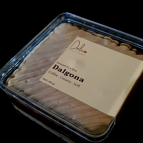 Foto Produk Dessert Cake Box - Dalgona Coffee dari Delicio Cake & Bakery