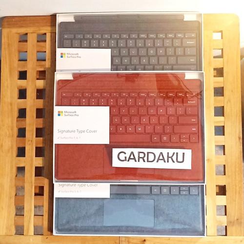 Foto Produk Microsoft Surface Pro Keyboard Type Cover Signature - Type Cover, Hitam dari gardaku