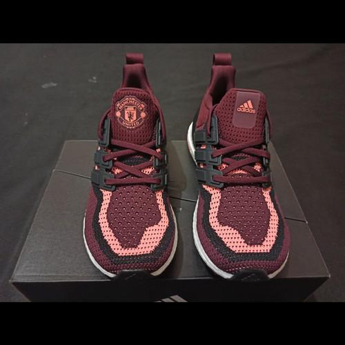 Foto Produk Adidas Ultraboost DNA Manchester United dari Beaters sneaker