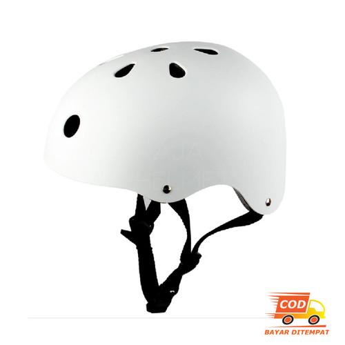 Foto Produk Helm Sepeda Gowes Helm Rafting Helm Skuter Helm Sepatu Roda Skateboard - Putih dari Jalur Kanan